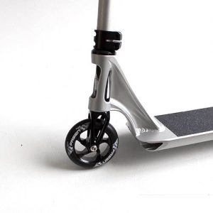 fasen-raven-complete-scooters-black-silver-side