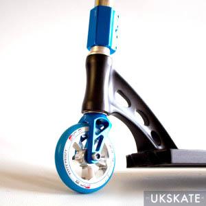 madd-gear-drone-custom-black-blue-side2