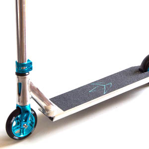 blunt kos heist complete teal scooter side view